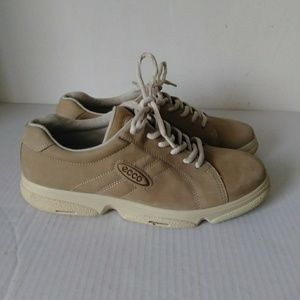 Ecco walking shoes  casual   comfort  flexzone